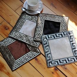 2019 tecido bordado chinês Evitar Bordar Ironing Almofada De Vidro De Veludo Estilo Ocidental Alimentos Almofada Decorativa Tecido Estilo Chinês Arte Mat Conveniente 10lx L1 tecido bordado chinês barato