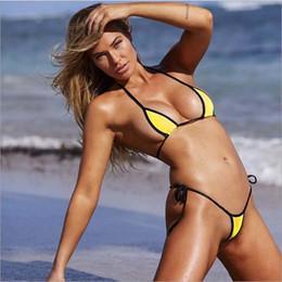 2019 il sesso lega 50pcs sexy bikini a triangolo trasparente top e brasiliano perizoma inferiore tie up costume da bagno donna spiaggia costumi da bagno femminile costume da bagno il sesso lega economici