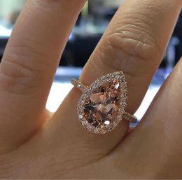 Wholesale Nouveaux accessoires de style chaud croix frontière européenne et américaine dames bijoux cadeau danniversaire gros amour champagne diamant bague