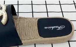 Pantoufles de sandale de paille en Ligne-Summer hot new sandales plates pour femmes, sandales de plage et pantoufles en paille uniques Semelles antidérapantes pour chaussettes Pantoufles babouche