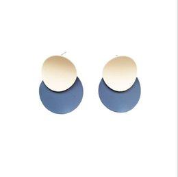 Cercle géométrique givré de contraste de couleur de la mode européenne et américaine, couture de boucles d'oreilles, pendentif, tempérament, boucles d'oreilles simples, ornements ? partir de fabricateur