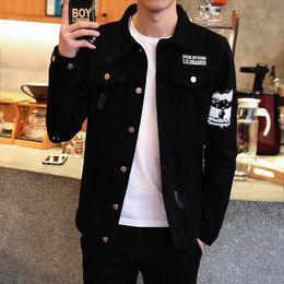2020 chaqueta de mezclilla negra delgada para hombre Para hombre primavera Harajuku rasgado Demin Chaquetas Hombre Negro Streetwear delgada ocasional del dril de algodón de la capa cazadora de los hombres de la chaqueta de bombardero de Cothes chaqueta de mezclilla negra delgada para hombre baratos