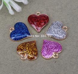 La manera 20pcs del corazón del metal granos de la forma colgante con esmalte para hacer la joyería desde fabricantes