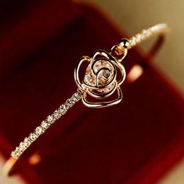 elegante armbandmanschette Rabatt Elegante frauen kristall rose blume armreif manschette armband schmuck gold pulseira schmuck armband damen geschenk für freunde z0524