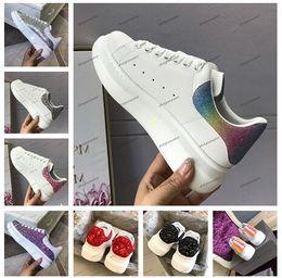 Vestido de arco iris hasta online-2019 Europa Fashion Luxury Designer Rainbow Shoes Womens Mens Casual Shoes Hook Loop Party Dress Zapatillas de tenis con cordones Zapatillas de deporte