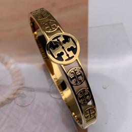 Logótipos gravados on-line-Rose Gold prata Cuff Bangle Bracelet Gravado Logo Lettering Titanium Pulseira De Aço Clássico Marca Pulseiras Jóias Finas