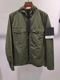 2019 coppie immagini invernali Rivestimento di modo Newes dell'uomo di marca cappotto incappucciato maschio metallo Nylon Windbreaker Lettera ricamo Top manica lunga M-- 2XL
