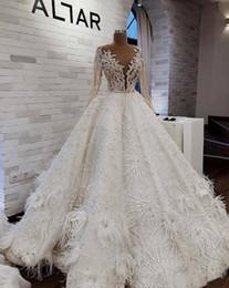 Luxus 2019 Ballkleid Brautkleider Feder Perlen Pailletten Spitze Applizierte Lange Ärmel Brautkleider Tüll Arabisch Vestido De Novia von Fabrikanten
