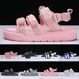 2019 zapatos roma 2019 Moda Roma Estilo Sandalias Hombres Mujeres Diseñador de lujo Zapatillas deportivas Niños niñas Peep Toe Sandalias Anchas planas resbaladizas chanclas Zapatos rebajas zapatos roma