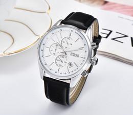 2020 Top-Herren-Uhrenmarke Luxusfreizeitleder Sportuhr dekorative Wahlzeitzone männlich Glocke billig und schön BOSS Uhrquarz tut von Fabrikanten