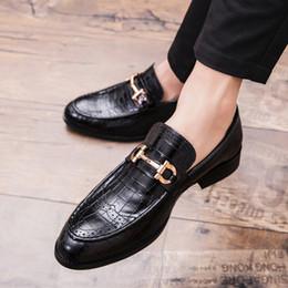 9d2670fb61e2 мужские кожаные крокодилы Скидка 2019 мужчины формальные бизнес башмак  обувь роскошные мужские Крокодил платье обувь мужской