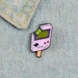 creme de porcelana Desconto Retro game console enamel pin brooches for women bitten ice cream pink badge Clothes hat Black button cute cartoon Lapel Pin Jewelry gift
