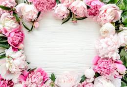 2019 bordo di sfondo Laeacco Grey Wooden Board Planks Blossom Flower Petals Love Neonato Ritratto Fotografia Sfondi Fondali Foto Studio sconti bordo di sfondo
