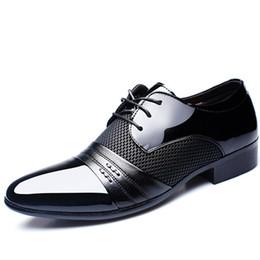 Zapatos de vestir de los hombres de gran tamaño online-con la caja 2019 zapatos de boda para hombre vestido de partido para hombre del diseñador de moda Marca Zapatos Oxford de gran tamaño 38-48