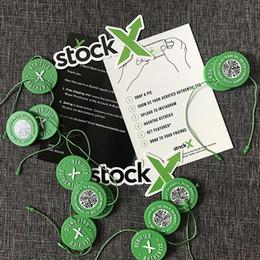 Plastique neuf en Ligne-10 pcs Min Stock X OG QR Code Autocollant StockX Carte Vert Étiquette Circulaire En Plastique Vérifié Authentique Boucle Boucle Nouvelle Arrivée Accessoires