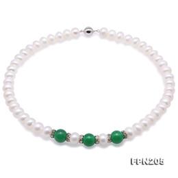 Grüne jade perlenkette online-Natürliche weiße Frischwasserperlen-Halskette 45cm 8-9mm nahe runde Form grüne Jade-Halskette vervollkommnen alle Match-Geschenk für Frauen