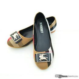 zapatillas planas de marca Rebajas El diseñador de moda de lujo de mujer de marca zapatos de las mujeres holgazanes de los planos inferior y Pisos mujer sandalias planas de los deslizadores flip-flop zapatos de la playa B2