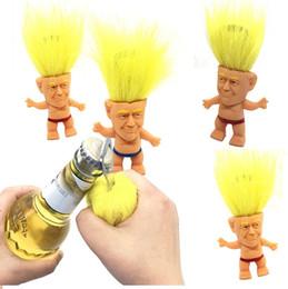 2019 desenhos animados engraçados 2020 Donald Trump Abridor De Garrafa Precident Figura Bonecas Novidade Dos Desenhos Animados Abridores De Garrafa De Cerveja Troll Boneca Brinquedos Engraçado Ferramenta de cozinha 4850 desenhos animados engraçados barato