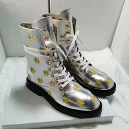 Argentina Cómodo estilo británico 2020 nueva primavera y el otoño Martin botas de las mujeres Tamaño Salvaje tendencia a corto Botas Venta directa de fábrica 35-40 Suministro