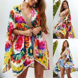 2020 blusa de camisa de ropa de playa Mujeres del verano ocasional de la playa de la gasa Cardigan Cover Up Blusas Ladies Boho Floral Wrap ropa de playa camisas Tops rebajas blusa de camisa de ropa de playa