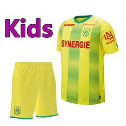 Meias garoto de futebol on-line-19 20 Ligue 1 Nantes de futebol do FC Jersey crianças Kit define meias 2019 2020 Nantes FC meninos juventude home camisa de futebol amarelo uniformes