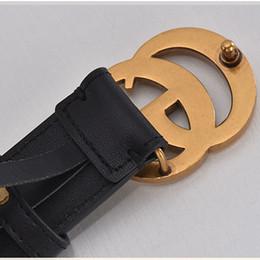 Cinturón de cuero genuino de la nueva moda cinturones de diseño para hombres Famosos hombres de lujo de la marca y womebelt Cinturones de hombres lisos con hebilla lisa desde fabricantes