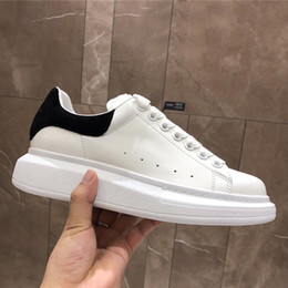 scarpe alla moda per gli uomini Sconti Designer Scarpe Casual Donna Uomo Sneakers Sport Scarpe da skateboard Moda Racing Runner Luxury Brand Trendy Platform Walking Trainers
