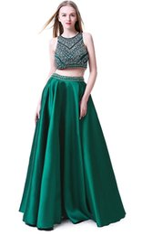 cor do vestido verde esmeralda Desconto Off The Shoulder verde escuro frisados 2 Pieces Prom Dresses 2019 até o chão Prom vestido de festa Moda Vestidos