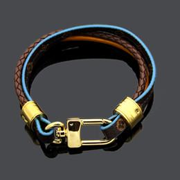 Seil armband muster online-2019 Titan Stahl Schmuck V Brief Schloss altes Muster Lederarmband Paar geflochtene Lederseil drei Schicht Lederarmband