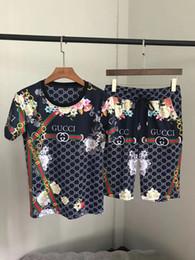 шорты фото Скидка Плюс размер мужские дизайнерские костюмы горячая распродажа Письмо печати летние дизайнерские шорты брюки лучшее качество дизайнерский набор (футболки+шорты) реальный рис