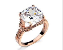 Double finger rings en Ligne-Coussin plaqué en or rose 18 carats taillé dans une bague sertie de diamants suisses à la zircone à double bande, femmes (Jingjing JR018)