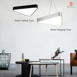 2019 luces de techo para tiendas Simple triángulo luces colgantes de aluminio LED luz de techo acrílico moderna decoración Studio Home Lounge Shop lámpara colgante accesorio envío gratis luces de techo para tiendas baratos