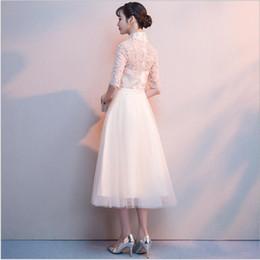 2019 bordados de cauda vermelha bordados Fashion Party nobre elegante laço vestido de dama de honra do casamento de Champagne chinês vestido de noite Cheongsam vestido do outono Formal Curto