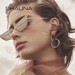 Оптовые прозрачные солнцезащитные очки для мужчин онлайн-Оптовые 2019 Новые Ins Популярные Маленькие Солнцезащитные Очки Кошачий Глаз Женщины Уникальные Ясно Красные Оттенки Мужчины Ретро Оттенки Зеркало UV400