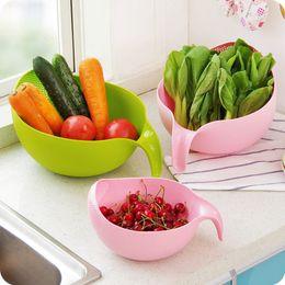 Riz de nettoyage en plastique en Ligne-Nettoyant en plastique de sécurité de crépine de riz créatif protéger les mains vert rose couleur outil de cuisine de nettoyage gadget en gros