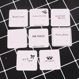 2019 bijoux emballage emballage prix de gros 100pcs beaucoup 4x4cm Blanc Couleur Papier Papier Conception Différente Boucles D'oreilles Boucle D'oreille Goujon Carte Bijoux Affichage Hang Tag Étiquette Impression