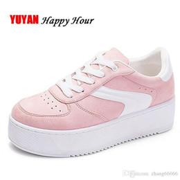 89055e9a9 Crazy2019 Pop Sapatilhas Atrativas Mulheres Sapatos de Plataforma  Sapatilhas das Mulheres Marca Altura Crescente Sapatos Rosa Preto Branco  Plus Size ZH2765