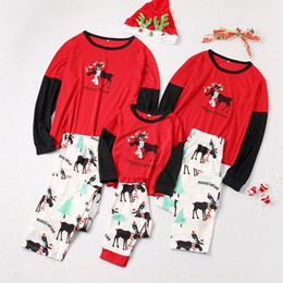 2019 ropa de aspecto familiar Pijamas navideños más nuevos Look familiar Elk Árbol de Navidad Impreso Tops Pantalones Traje Conjuntos de pijamas para el hogar Conjuntos de ropa familiar Conjuntos a juego rebajas ropa de aspecto familiar