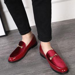 Chaussures hommes 48 en Ligne-Date homme chaussures formelles bout pointu mode hommes bouton en métal Oxford chaussures de sport hommes Slip-on mariage mocassins grande taille 37-48