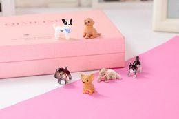 Cachorros de brinquedo de plástico para crianças on-line-Plástico dos desenhos animados Bonito Mini Modelo Animal Crianças Brinquedos Bonitos Husky Bulldog Bonecas Adorável Projeto Gato Cão Dos Miúdos Das Crianças Brinquedo de Presente