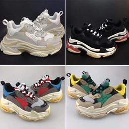 Teenager sneakers online-Balenciaga Triple S Sneaker Kinder Triple S Sneakers für Jungen Designer Schuhe Mädchen Plattform Kind Sport Kinder Chaussures Teenager Dickbesohlte Jugend