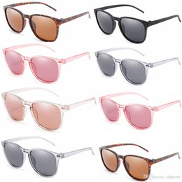 2019 occhiali da sole all'aperto femminile uomo donna Ciclismo Occhiali da esterno Nuovi occhiali da sole femminili anti-ultravioletti per PC con montatura per occhiali da sole antivento sconti occhiali da sole all'aperto femminile