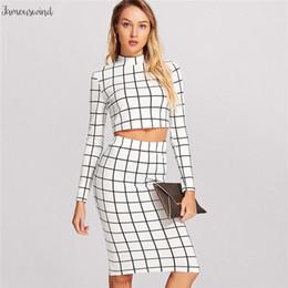 Senhoras tops saias longas preto on-line-Preto e Branco manta Ladies Long Sleeve Top Curto E Lápis saia xadrez 2 Set Mulheres de duas peças Set Pedaço