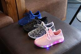 Zapato de niño llevado online-2019 Primavera Otoño Niños Zapatos Ligeros Calzado Deportivo Bebé Niños Niñas Led Luminoso Zapato Niños Zapatillas Zapatillas Transpirables