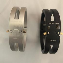 braceleiras de ursinho de aço inoxidável Desconto 2020 ALYX Pulseira Homens Mulheres Moda Casual Casais ALYX trilha liga de alumínio pulseira unisex