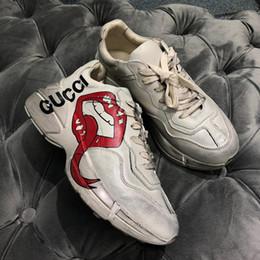 Labios de la boca online-Rhyton Zapatilla de deporte vintage con boca Estampado de labios NY Yankees Mujeres Marca Vintage Retro Entrenador Hombres Diseñador Zapatos de escalada con caja