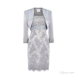 Canada Dentelle argent perlé courte mère de la mariée marié robes avec veste longue Dleeve réelle image tache genou longueur robe occasion Offre