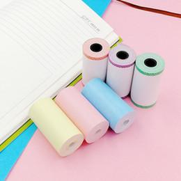 carta adesiva termica Sconti carta termica 57 x 30 mm Stampante Rotolo di carta termica stampabile Sticker Rotolo autoadesivi con pizzo laterale per stampante istantanea
