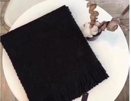 Зима LOGOMANIA блеск Марка роскошные шерсть шелковый шарф женщины и мужчины две стороны черный красный шелк шерсть одеяло шарфы дизайнер цветок шарфы шали от Поставщики шелковые одеяла