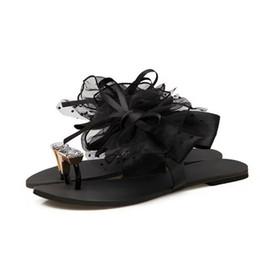 Schwarze spitzen sandalen online-Flache Unterseite Blume Damen Heiße Neue Mode Sandalen Sommer Koreanische Schwarze Spitze Zehe Hausschuhe Große Größe jooyoo